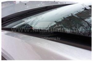 Резинка — дефлектор на ветровое стекло «Защитник» для автомобилей Рено Логан, Дастер, Сандеро, Лада Ларгус.