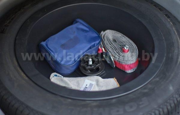 Органайзер-вставка в запасное колесо для Renault Logan 2 (Рено Логан) c 2014 г.в.